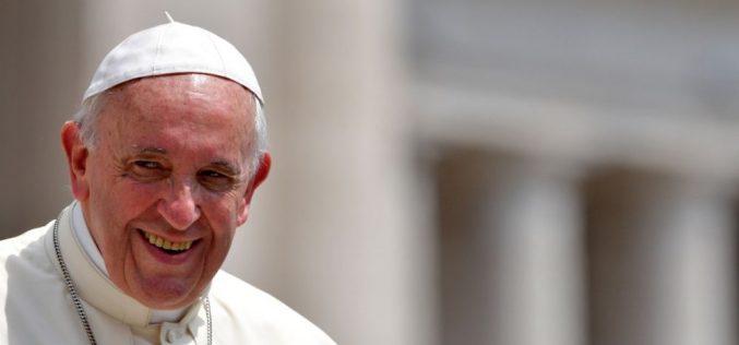 Папата до романскиот народ: Доаѓам кај вас за да одиме заедно