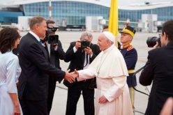 Папата пристигна во Романија