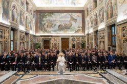 Папата: Љубовта кон ближниот основа за меѓурелигиски дијалог