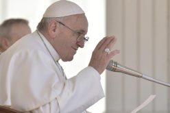 """Папата повика на """"Минута за мир"""""""
