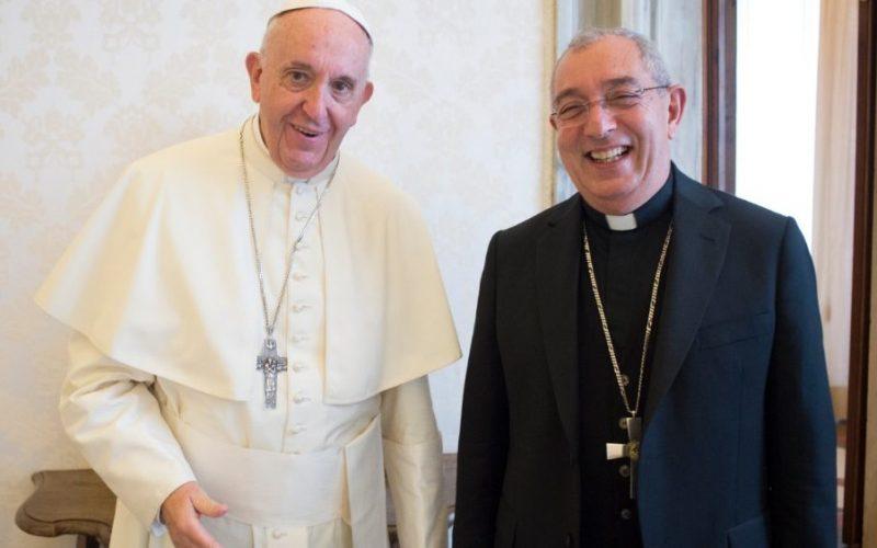 Верниците од Римската бискупија ќе имаат духовденско бдение со папата Фрањо