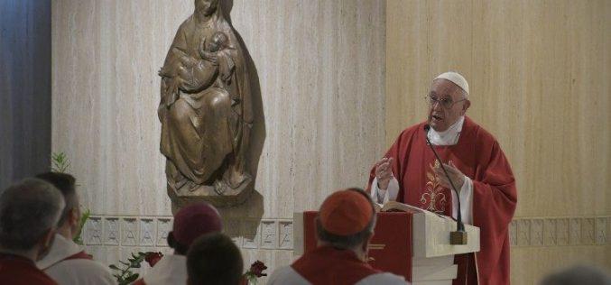 Папата Фрањо: Бесплатно давајте она што бесплатно сте го примиле од Бога