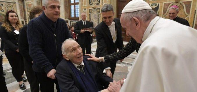 Папата: Животот е свет затоа што е Божји дар