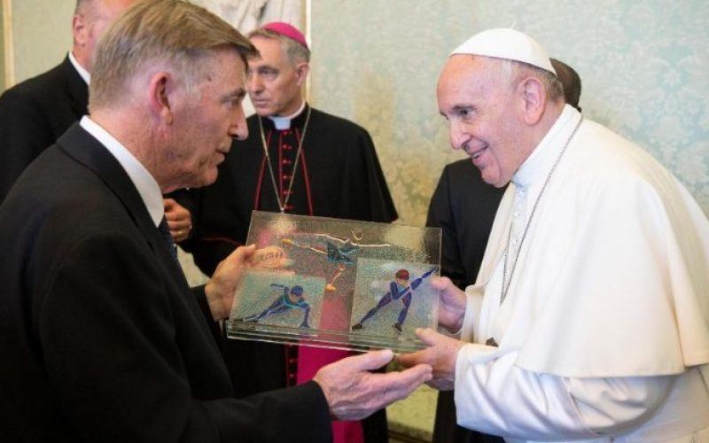 Папата: Спортот нека биде во служба на луѓето