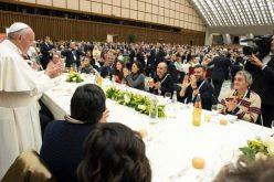 Папата: Сиромашните не се бројки, туку луѓе на кои треба да им се оди во пресрет