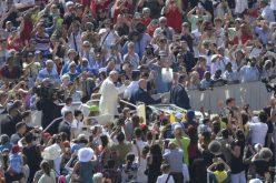 Папата: Сите ќе ве разберат ако зборувате со јазикот на вистината и љубовта