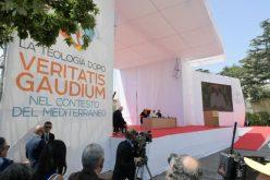 Папата Фрањо: Дијалог и прифаќање за Медитеранот