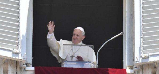 Папата: Да го обновиме воодушевувањето и радоста за Eвхаристијата