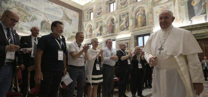 Папата на капеланите во апостолатот на море им додели исти овластувања како на мисионерите на милосрдието
