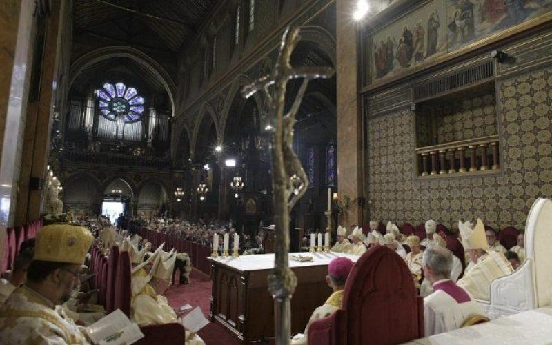 Папата на Литургијата во Букурешт: Тајната на верата е во радоста