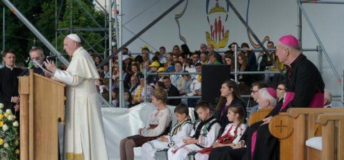 Папата во Романија. Средба со млади и семејства во Јаш