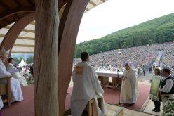 Папата: Да се преобразат неволјите во нови прилики за заедништво