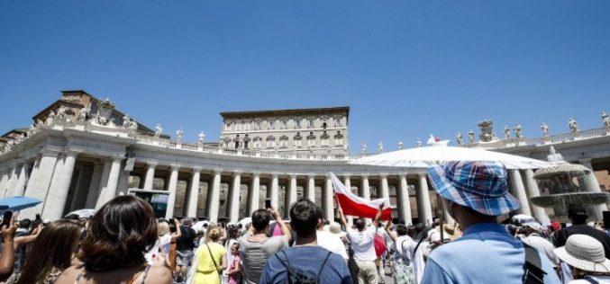 Папата: За навестување на Евангелието треба да се биде радикален, одлучен и секогаш во движење