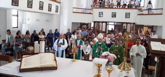 Бискупот Стојанов ги внесе моштите на света Фаустина во Католичката црква во Охрид