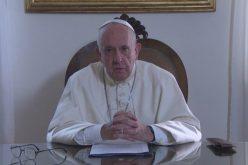 Папата: Светот секој ден станува сѐ повеќе суров за исклучените