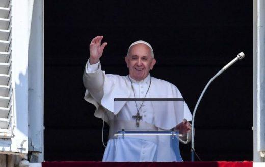 Папата Фрањо: Да не дозволиме да нѐ заведе себичната нечувствителност