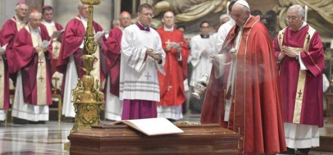 Погребан на кардинал Паоло Сарди