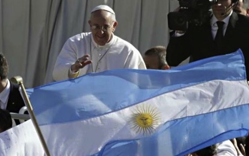 Според аргентински весник Папата ќе ја посети својата татковина во 2020 година