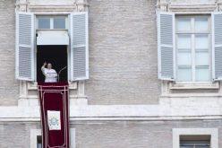Папата: Материјалните добра ни користат, но само ако ги делиме