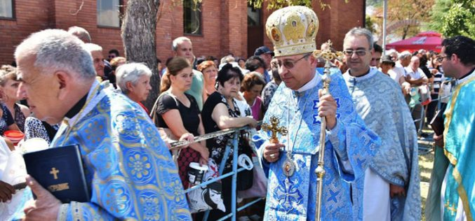 За Голема Богородица епископот Стојанов служеше во Катедралата во Струмица
