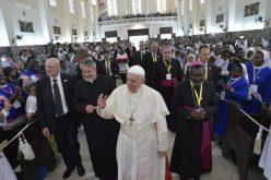 Папата до свештениците и монашките заедници: Вашиот умор треба да произлезе од способноста за сочувство