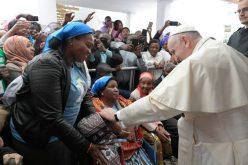 Мозамбик: Папата го посети здравствениот центар Зимпето