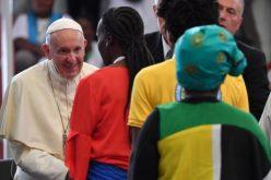 Папата до младите: Бидете обединети заради Мозамбик