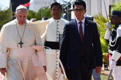 Папата во Мадагаскар: Средба со малгашките власти