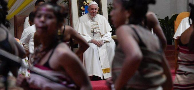 Сто илјади млади на бдение со Папата во Мадагаскар