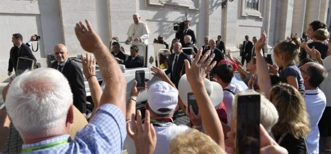 Папата: Евангелието за сите народи е најсилниот квасец на братството, слободата, правдата и мирот