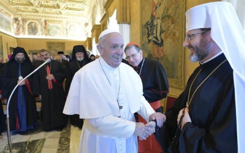 Папата Фрањо до источните епископи: Љубовта ги намалува поделбите