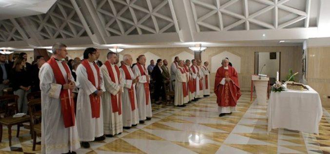 Папата Фрањо: Молете се за оние што се на власт и за политичарите