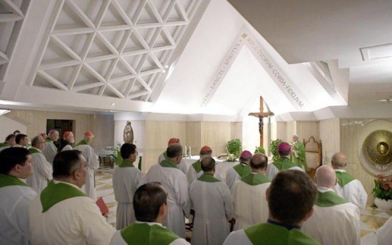 Папата: Свештеничкото служење е дар, а не функција или договор за работа
