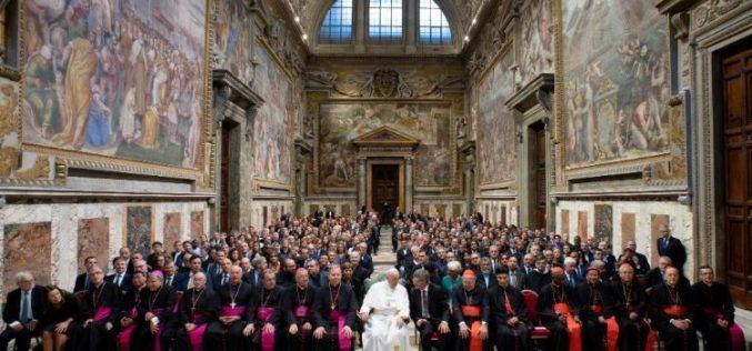 Папата: Нека вашата христјанска комуникација биде без придавки