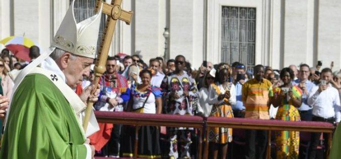 Папата Фрањо: Не можеме да останеме рамнодушни пред сиромаштвото на многумина
