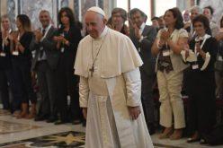 Папата Фрањо: Болниот човек не е трошок