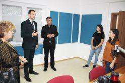 Директорот на Комисијата за односи со верските заедници го посети Радио Марија во Струмица