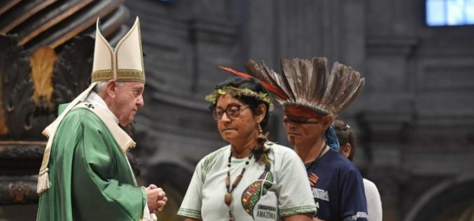 Папата ја отвори Синодата за Амазонија: Бидете верни на новостите на Светиот Дух со бестрашна мудрост