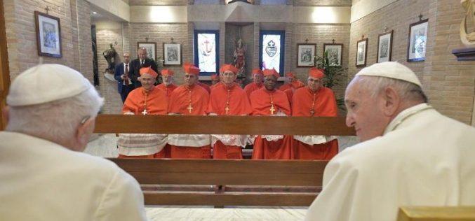 Папата Фрањо и новите кардинали го посетија Бенедикт XVI
