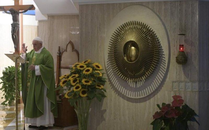Папата Фрањо: Да не избереме идеологија, наместо вера
