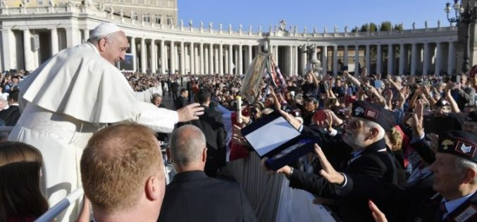 Папата: Потребно е да се евангелизира и да се овозможува средба со Бог