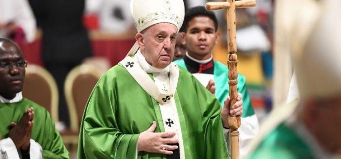 Папата: Браќата не смеат да се избираат, туку треба да се прегрнуваат