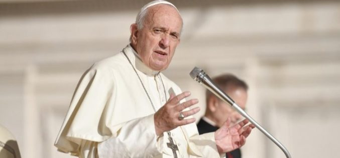 Папата ќе ја предводи светата Литургија за починатите кардинали и епископи