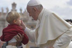 Папата: Животот има голема вредност, ако се живее како дар