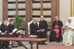 Папата ги прими претставниците на Армијата на спасението