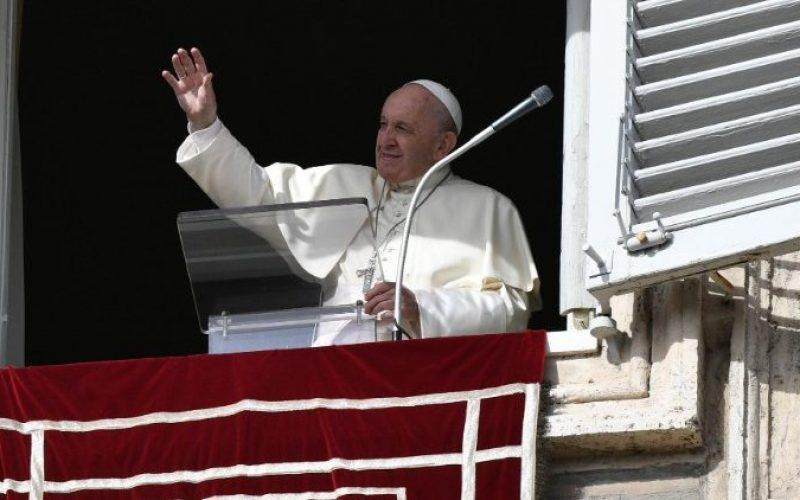 Папата Фрањо: Таму каде што е себичноста нема живот