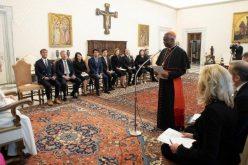 Папата: 'Не' за културата 'употреби и фрли'