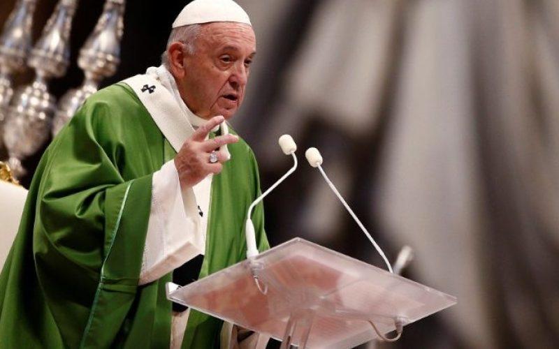 Папата: Сиромашните ни го олеснуваат пристапот до небо