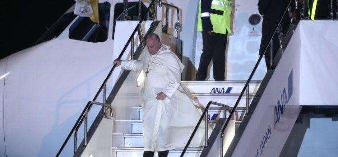 Папата Фрањо од Тајланд пристигна во Јапонија