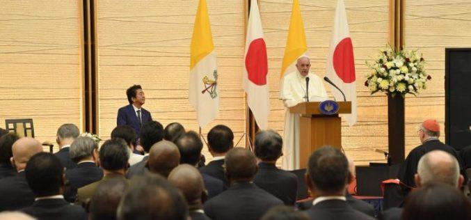 Папата до јапонските власти: Дијалогот е единственото оружје достојно за човекот